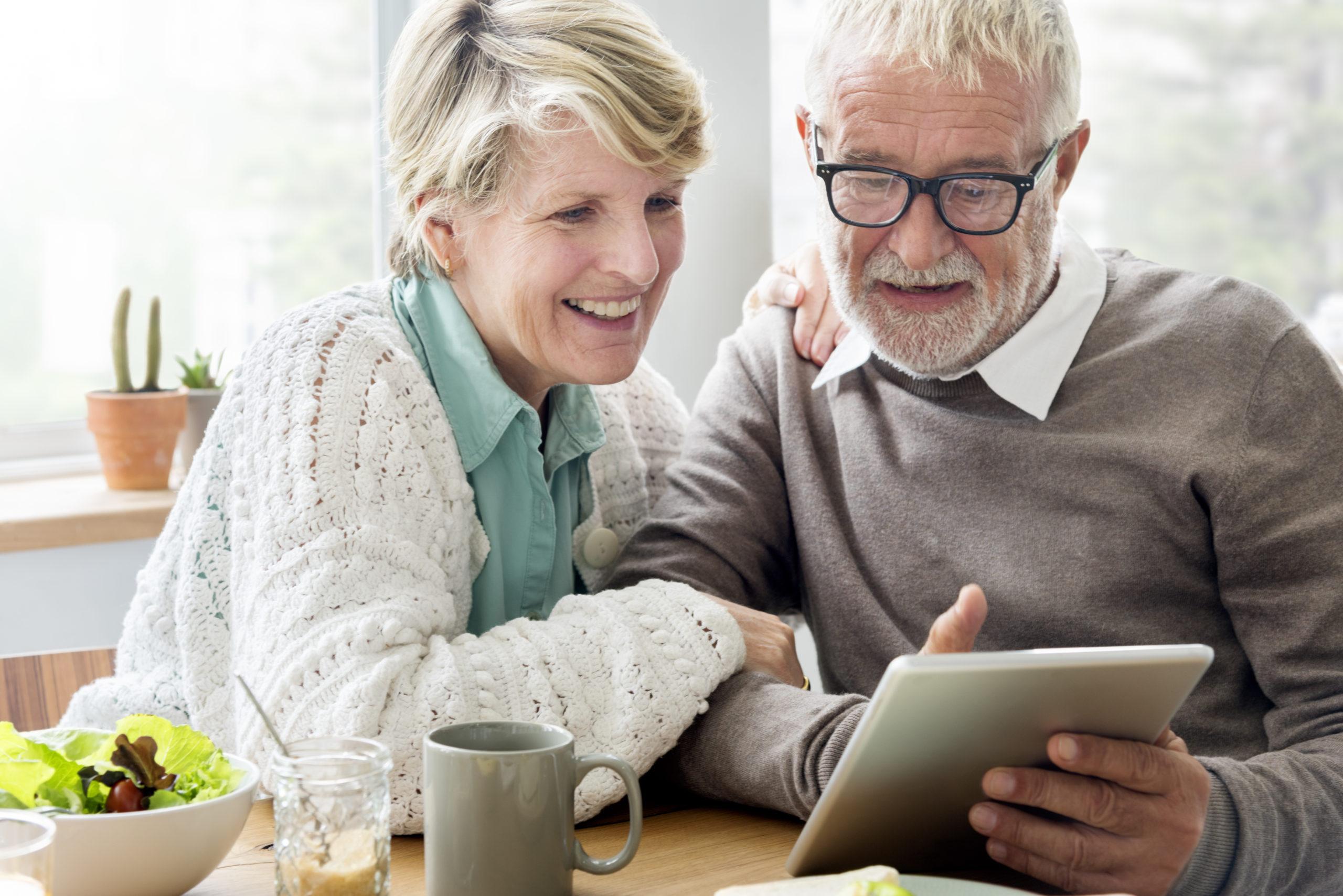 Co 3. senior pozytywnie ocenia swoją sytuację finansową